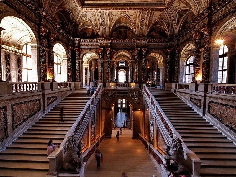 kunsthistorisches-museum-wien-interior-1.jpg